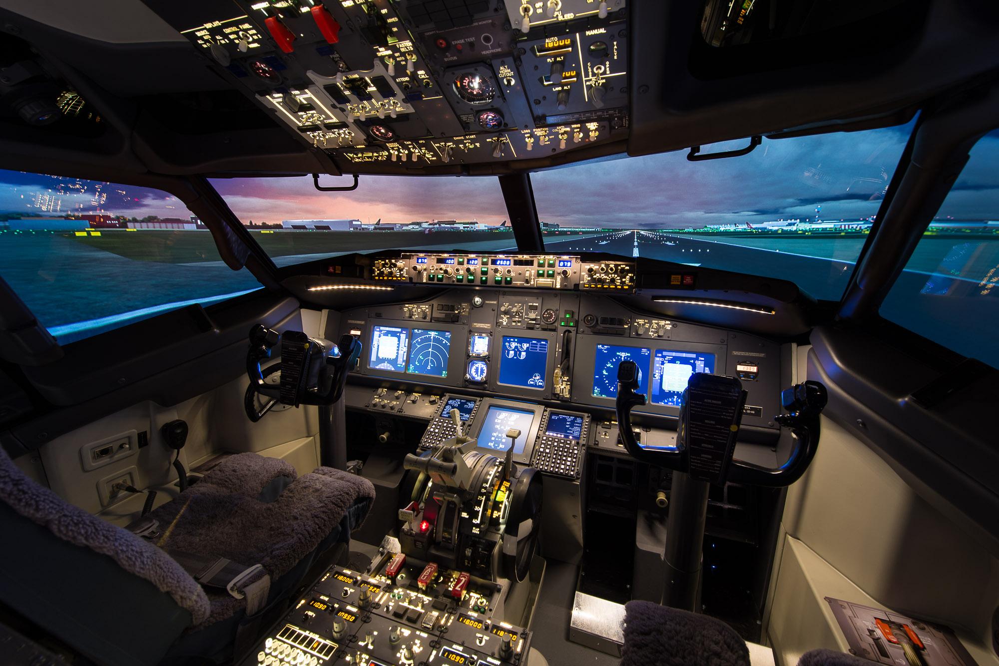 Boeing 737-800 Simulator